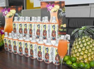 沖縄ファミリーマートが発売する琉球泡盛カクテル「愛さ(KANASA)」