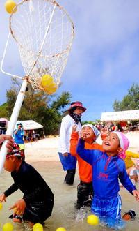 今年で100周年、沖縄・渡名喜島の伝統「水上運動会」 節目盛り上げへ始動