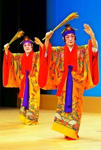 18人、熟練の舞/県指定保持者公演