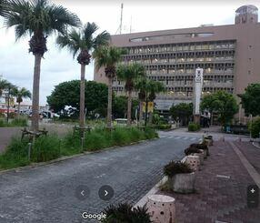 沖縄市役所(画像はGoogleマップより)