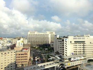 沖縄本島地方では26日朝にかけて、落雷や突風、急な強い雨に注意してください