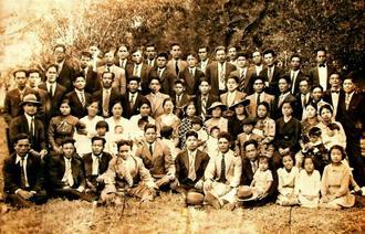アルゼンチンの沖縄移民の歴史を紹介する写真展で展示された写真
