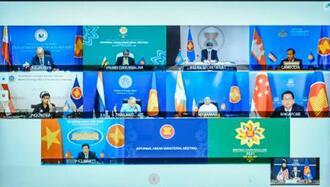 2日、オンライン形式で非公式の臨時会議を開いたASEANの外相ら(マレーシア外務省提供・ロイター=共同)