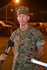 懸念と歓迎 米海兵隊の外泊規制緩和