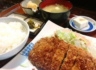 1日限定5食の「ミルフィーユかつ定食」(1300円)