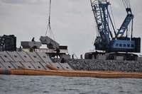 辺野古新基地:「海が護岸で囲われてしまう…」 抗議船の船長、進む工事に危機感