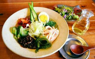 池城夫妻のおすすめ「夏のさっぱり韓国冷麺」