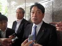 小野寺防衛相、日本国内でのオスプレイ飛行自粛を米に要求 14日来県 翁長知事に説明へ
