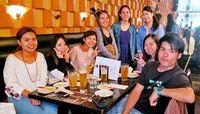 若き沖縄県人6人、真摯に夢を追う エール交換し交流 カナダの沖縄ナイト