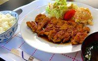 復活の味「チキンソテー」、常連の舌喜ぶ 宮古島市平良西里「スペース食堂」