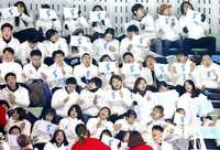 平昌冬季五輪:韓国・北朝鮮「コリア」が初陣 統一旗に歓声、言葉通じない現実も