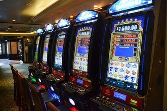日本の海域上では営業しないカジノのエリア=13日、那覇市若狭の那覇クルーズターミナル