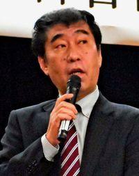 福祉の網 不足を指摘/刑務所退所者支援研修会 山本譲司さん講演