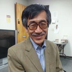 北米沖縄県人会館で行われるミーティングに参加する長島幸和さん