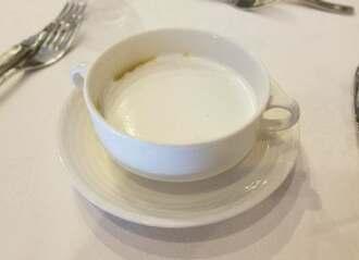薩摩芋(サツマイモ)と大根のクリームスープ カプチーノスタイル=29日、糸満市・サザンビーチホテル&リゾート沖縄
