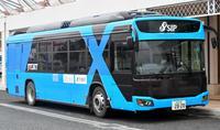 自動運転バス、公道を走る 沖縄で全国初の実験始まる