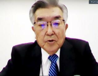 「新型コロナウイルス対策連絡会議」後に、オンラインで記者会見するプロ野球の斉藤惇コミッショナー=25日