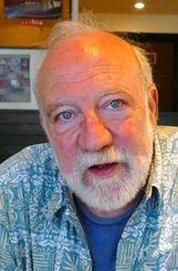 「決して諦めない沖縄の心も描いた」と話すジャン・ユンカーマン監督=2日、那覇市・桜坂劇場