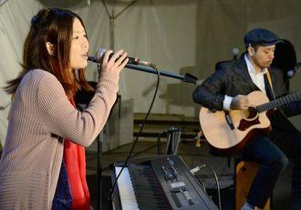 ラブソングを披露したYOUKA=14日、沖縄市上地のコザ・ミュージックタウン