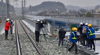報道陣に公開されたJR常磐線の第一前田川橋りょう=7日