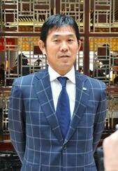 敗戦から一夜明け、取材に応じるU―21日本代表の森保監督=20日、江陰(共同)