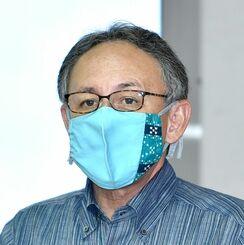 宮古、八重山で新型コロナウイルスの感染が拡大していることを受け、改めて感染防止対策の徹底を呼びかける玉城デニー知事=19日午後、県庁(代表撮影)