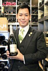 「全日本最優秀ソムリエコンクール」で優勝した井黒卓さん=13日、東京銀座の「ロオジエ」