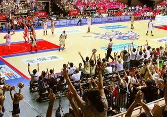 3960人の観客で盛り上がった、キングス初の東京でのホームゲーム=大田区総合体育館(エムアイプランニング撮影)