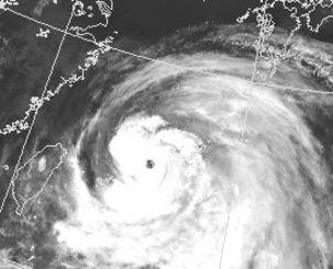 台風9号の衛星写真=10日午前6時、気象庁ホームページから