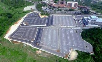 3月1日から運用が開始される約2千台駐車可能な南城市公共駐車場(観光振興拠点施設)=南城市佐敷(同市提供)