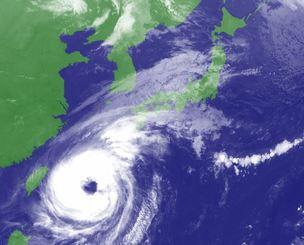 台風24号の気象衛星画像(気象庁HPから)