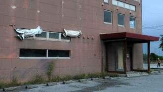 団体客らでにぎわっていた居酒屋は人手不足のため閉店した=11日、与那原町内