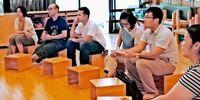 家事するパパ、家族に笑顔 共働きの多い沖縄で勉強会