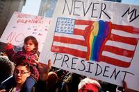 全米各都市で反トランプデモ 祝日「プレジデンツデー」