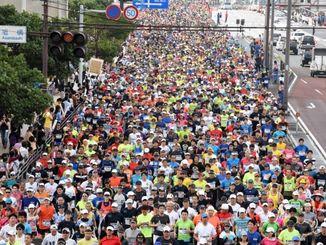 (資料写真)2016年のNAHAマラソン