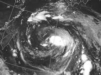 台風10号:北大東で瞬間31.4m