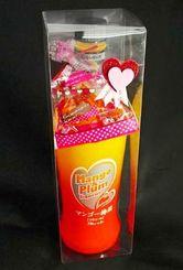 「バレンタインキャンペーン」として数量限定で販売しているマンゴー梅酒とチョコのセット