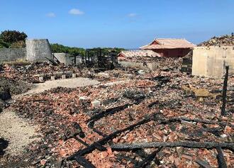 一般財団法人「沖縄美ら島財団」が公開した、焼け落ちた首里城の書院・鎖之間の写真
