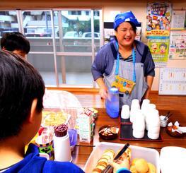 地域食堂を立ち上げた名嘉真美奈子さん=4日午前7時半、宜野湾市大謝名