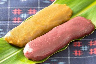 沖縄ファミリーマートが発売したムーチーの黒糖味(左)と紅芋味