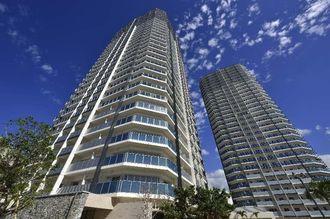 県内最高層のリュークスタワー。総戸数も676戸と県内最大級だが、売れ行きは好調で、西棟は入居開始を前に完売した