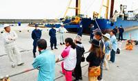 加速する工事、不信の声…板挟みの沖縄県 辺野古新基地・石材海上輸送