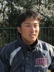 中央大の新主将として春のリーグ戦に臨む島袋洋奨=2014年04月05日
