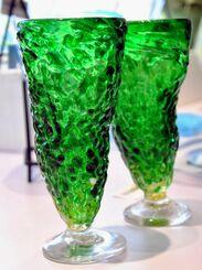 屋我さんが制作した「ゴーヤーグラス」=4月30日、北中城村・イオンモール沖縄ライカム