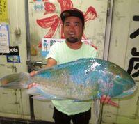 [有釣天]知念で、伊計島で 大型マクブをゲット