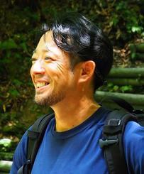ホールアース自然学校沖縄校がじゅまる自然学校の小林政文代表(提供)