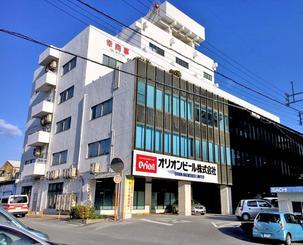 野村ホールディングスと米投資ファンドが共同で買収する方針であることが明らかになったオリオンビールの本社=롹18日午前、浦添市