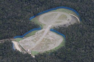 ヘリパッド建設が進む米軍北部訓練場のN-1地区=12月12日、国頭村安波(本社チャーターヘリから)