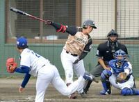 日ハム・清宮、代打で空振り三振 プロ野球オープン戦開幕