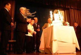 85歳を迎える県系5人の誕生日会